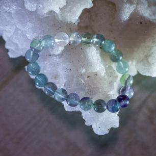 Браслет из флюорита на резинке: камень 8 мм